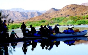 197-k-Having-a-rest-onRichtersveldt-canoe-tour