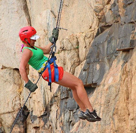 ABSEILING PARYS