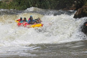 Scary run on Ash river rafting